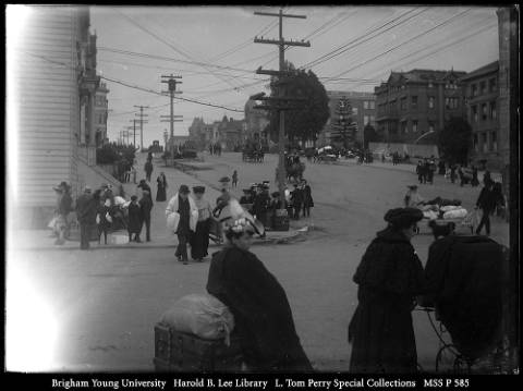 Residents_with_Bundled_Possessions_on_Van_Ness_Ave