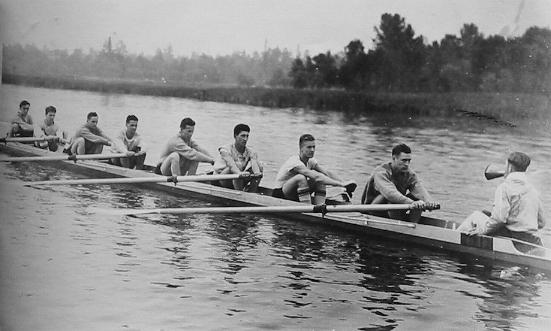 1936-team-on-water